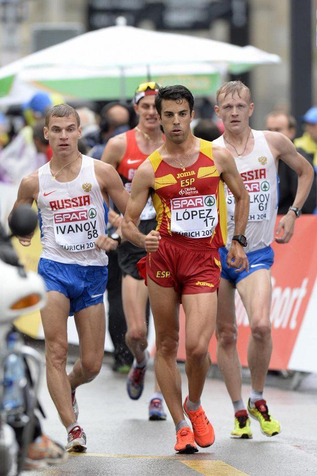 Španěl Ángel Miguel López (vpředu vpravo) se stal mistrem Evropy v chůzi na 20 km.
