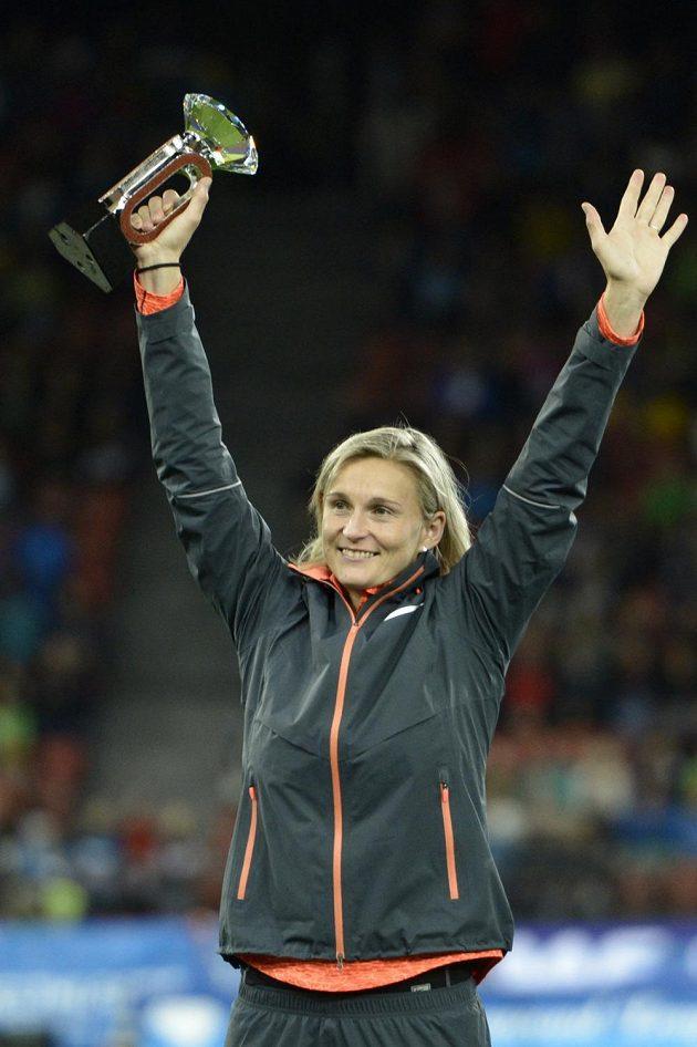 Barbora Špotáková se raduje z celkového prvenství v Diamantové lize.