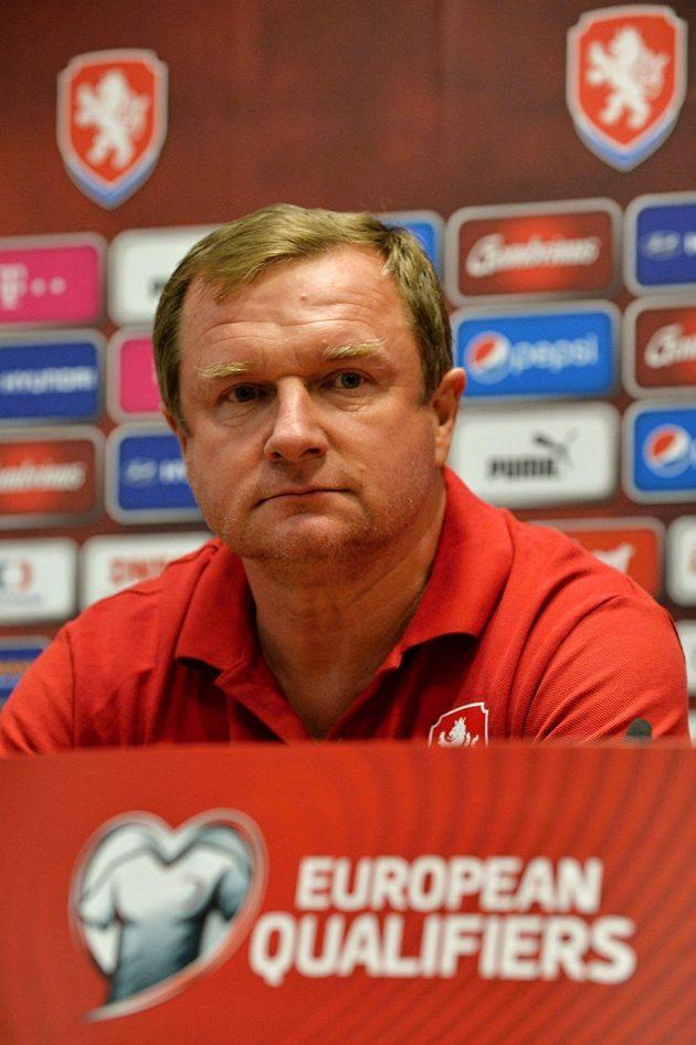 Trenér české fotbalové reprezentace Pavel Vrba během středeční tiskové konference.