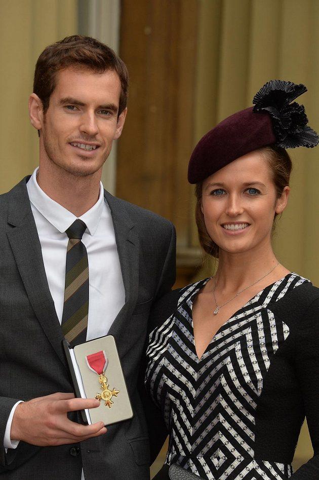 Andy Murray a jeho přítelkyně Kim Searsová.