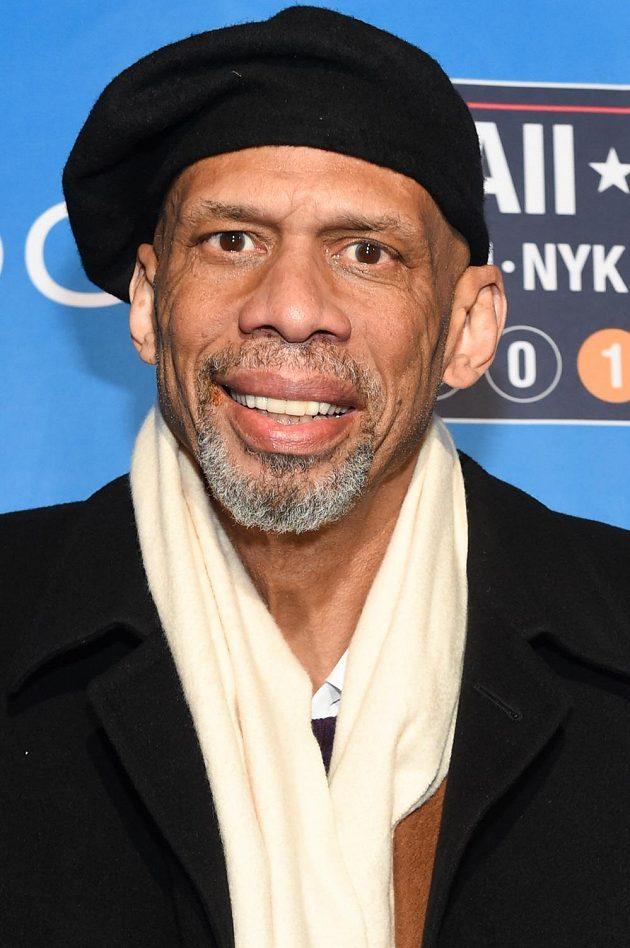 Na utkání hvězd NBA nechyběl také bývalý slavný hráč Kareem Abdul-Jabbar.