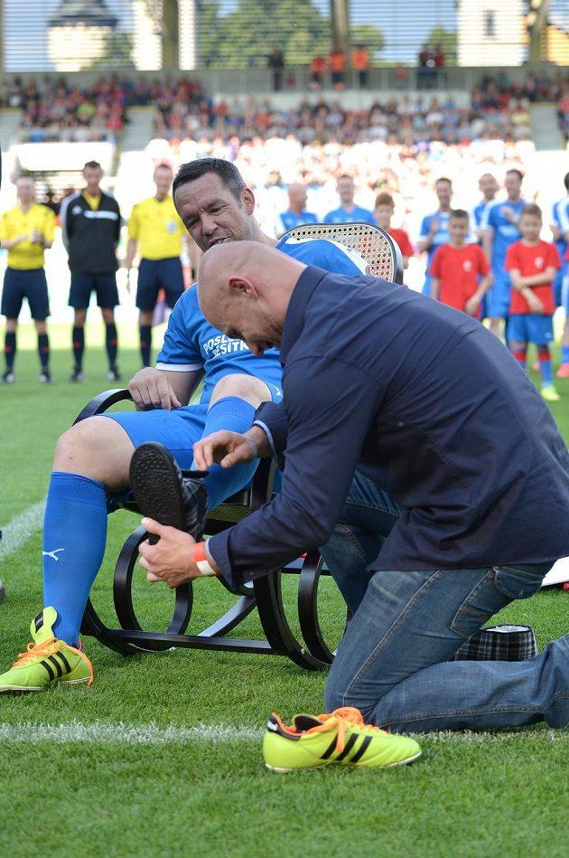 Pavel Horváth dostal na cestu do fotbalového důchodu vedle houpacího křesla i papuče.