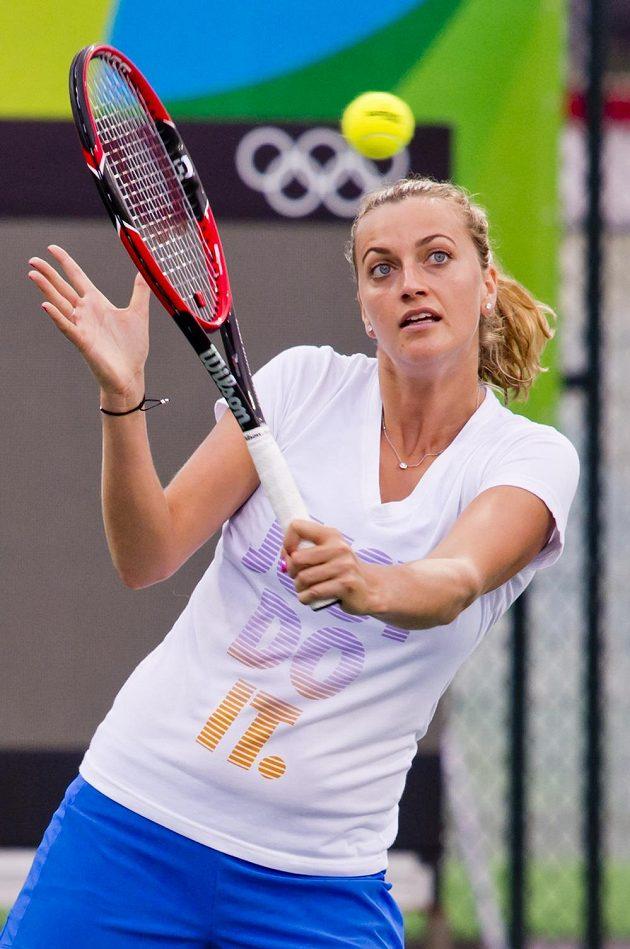Česká tenistka Petra Kvitová při tréninku v dějišti letních olympijských her v Riu de Janeiro.