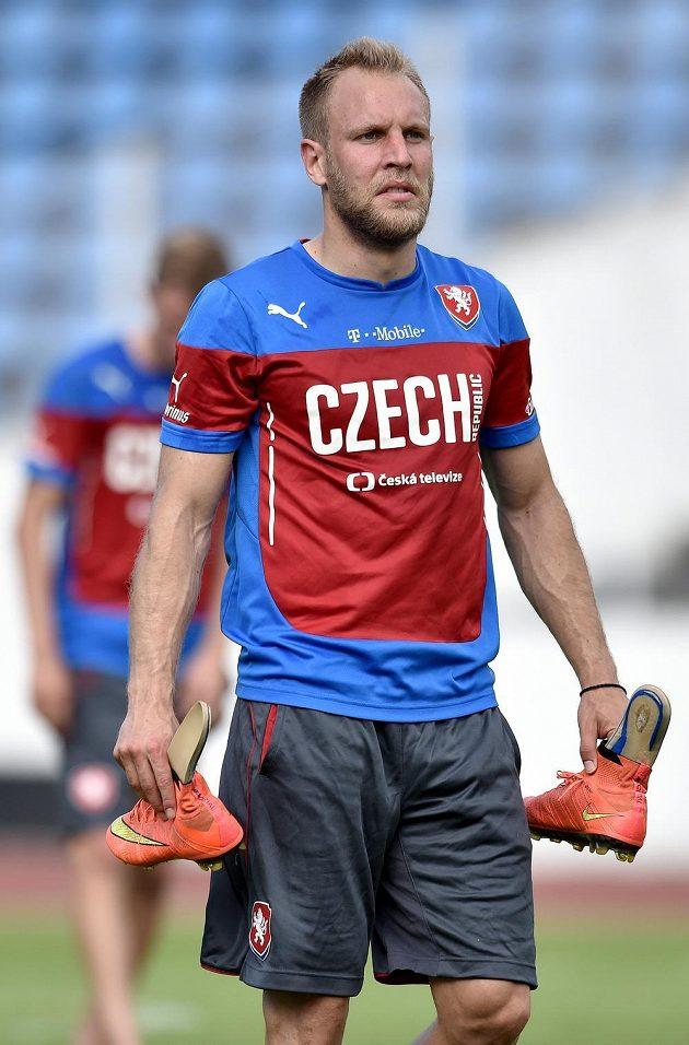 Daniel Kolář během tréninku české fotbalové reprezentace před utkáním kvalifikace ME 2016 na Islandu.