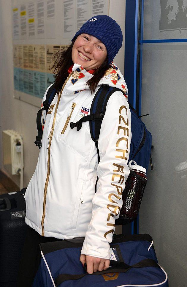 Biatlonistka Veronika Vítková před odletem do Soči na Zimní olympijské hry dne 30. ledna 2014 na kbelském letišti.