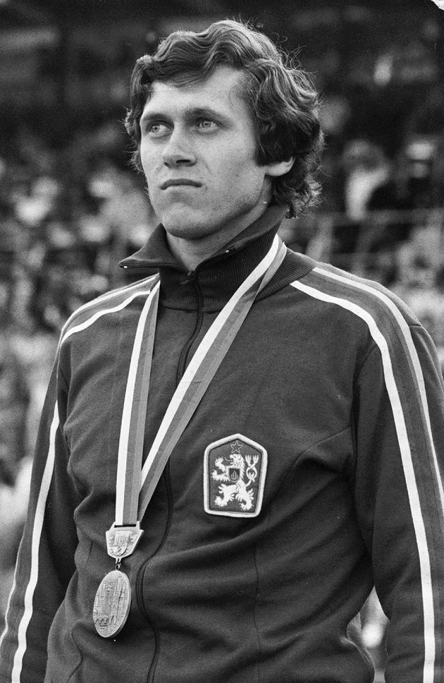 Karel Kolář na archivním snímku z 28. srpna 1978 z mistrovství Evropy v Praze, kde získal stříbrnou medaili časem 45,77 sekundy, který byl českým rekordem více než 30 let.