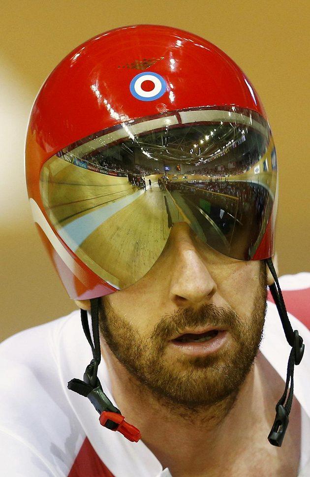 Bradley Wiggins na zlato s anglickým týmem na Hrách Commonwealthu nedosáhl.