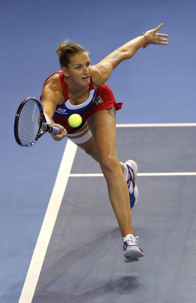 Karolína Plíšková během úvodní nedělní dvouhry finále Fed Cupu.