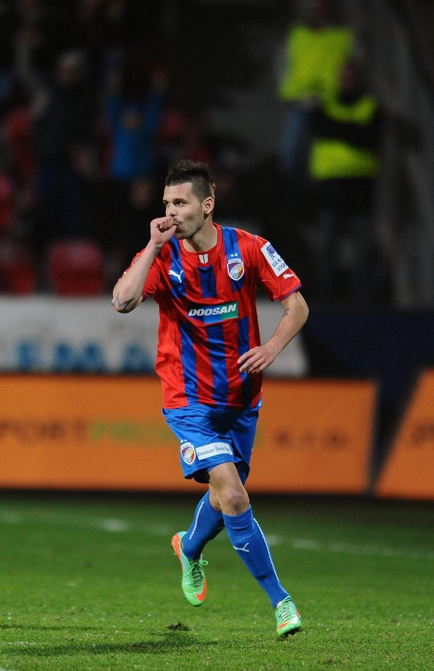 Záložník Michal Ďuriš proměnil pokutový kop a definitivně tak pečetil debakl Liberce, který odjel z Plzně se šestigólovým přídělem.