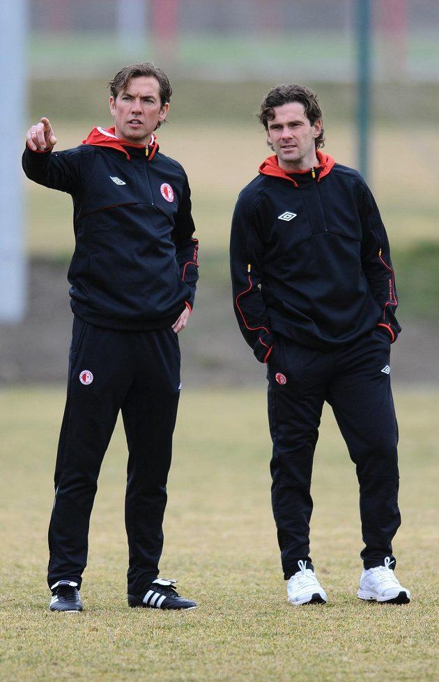 Nový trenér Alex Pastoor (vlevo) a sportovní ředitel Slavie Karol Kisel.