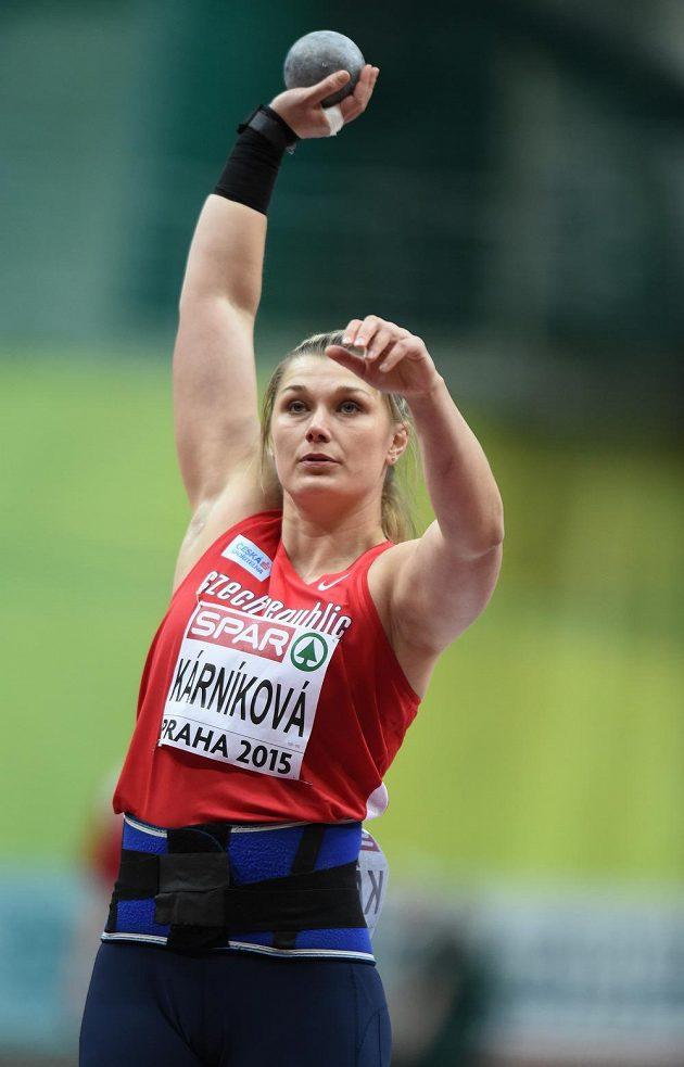 Česká koulařka Jana Kárníková se chystá ke kvalifikačnímu pokusu na HME v atletice.