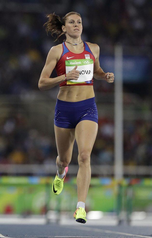 Česká atletka Zuzana Hejnová v rozběhu olympijského závodu na 400 metrů překážek.