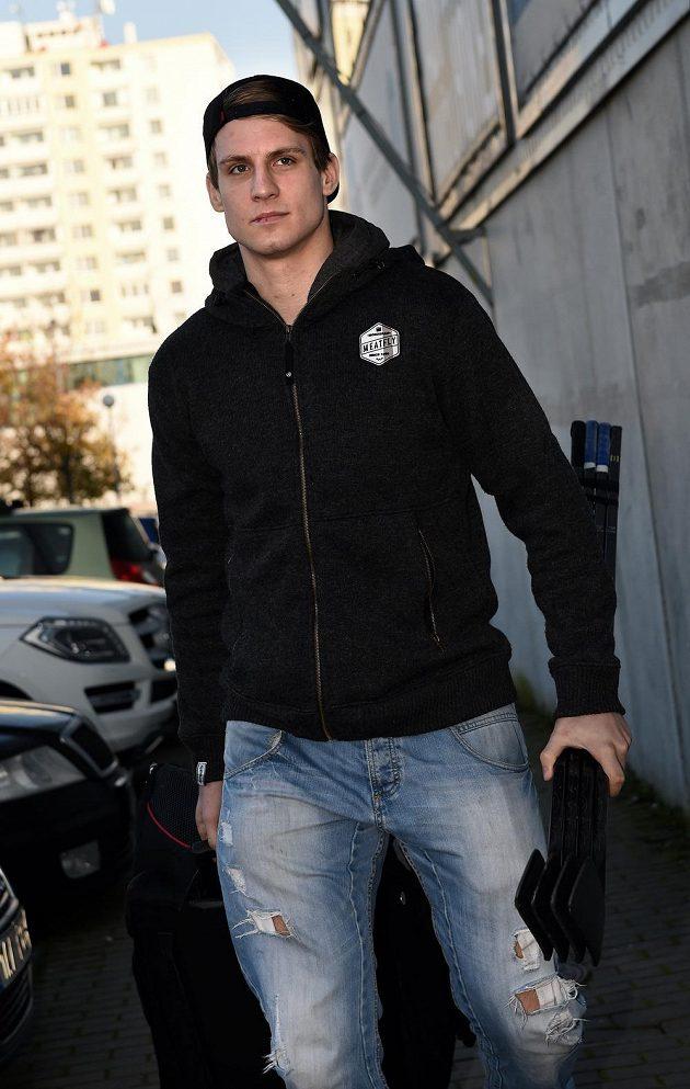 Obránce Ondřej Vitásek na srazu hokejové reprezentace, s níž ho čeká Karjala Cup.