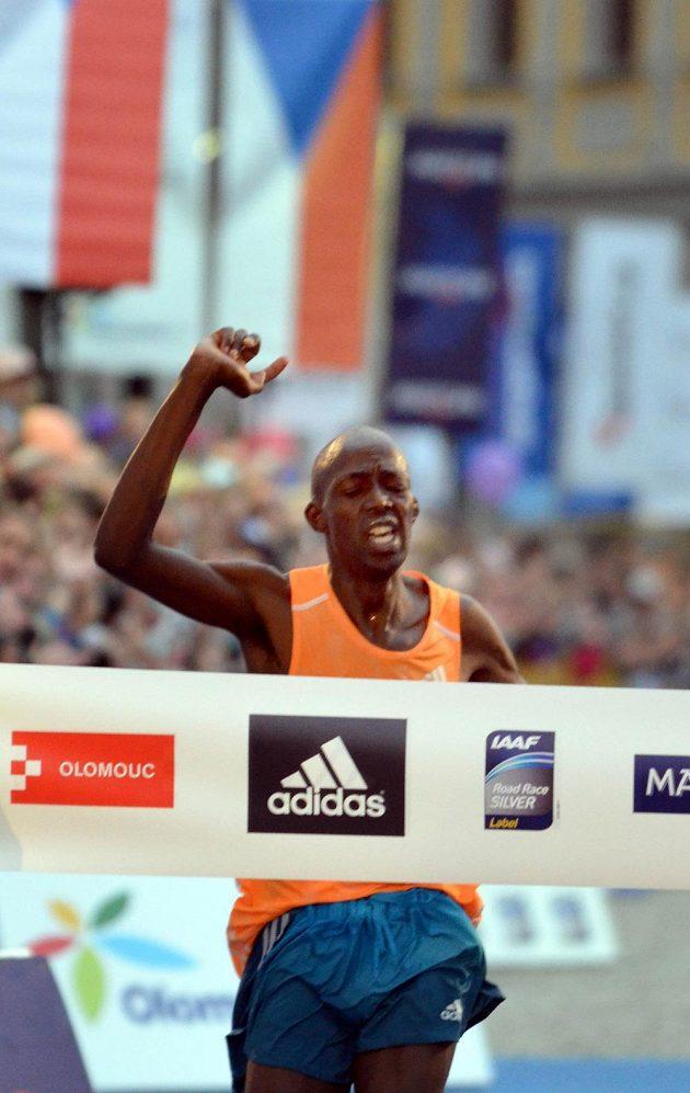 Olomoucký půlmaratón překvapivě vyhrál Geoffrey Ronoh z Keni.
