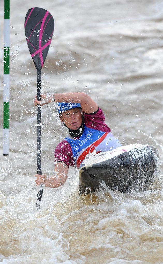 Štěpánka Hilgertová při kvalifikaci MS ve vodním slalomu na kanále v Praze-Troji.