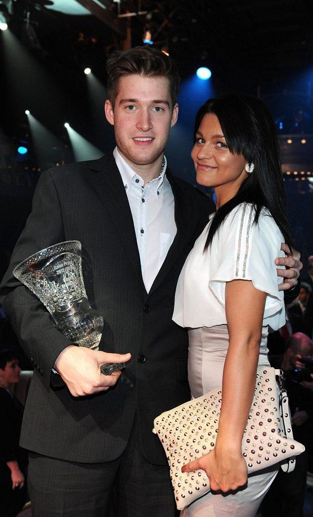Nejlepší brankář sezóny Pavel Francouz se svou přítelkyní Nicole.