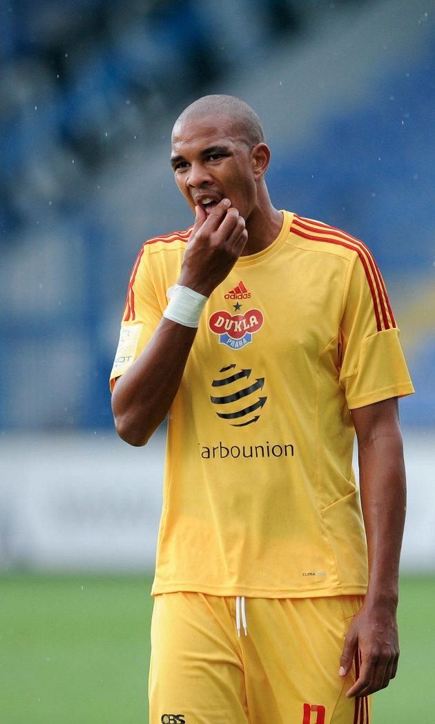 Útočník pražské Dukly Jean-David Beauguel zápas v Liberci nedohrál, v 69. minutě byl po dvou žlutých kartách vyloučen.