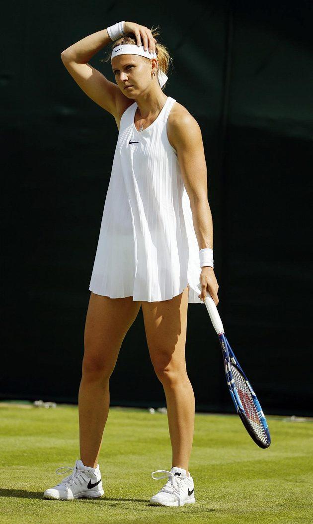 Česká tenistka Lucie Šafářová během utkání s Bethanií Mattekovou-Sandsovou.