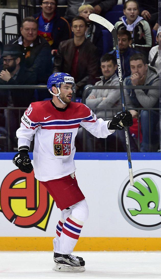 Český reprezentant Robert Kousal se raduje z gólu proti Kazachstánu.