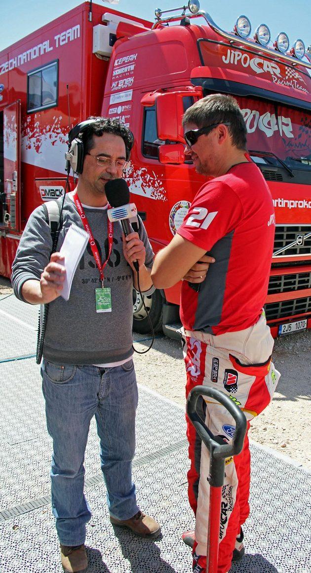Martin Prokop při rozhovoru pro portugalské rádio.