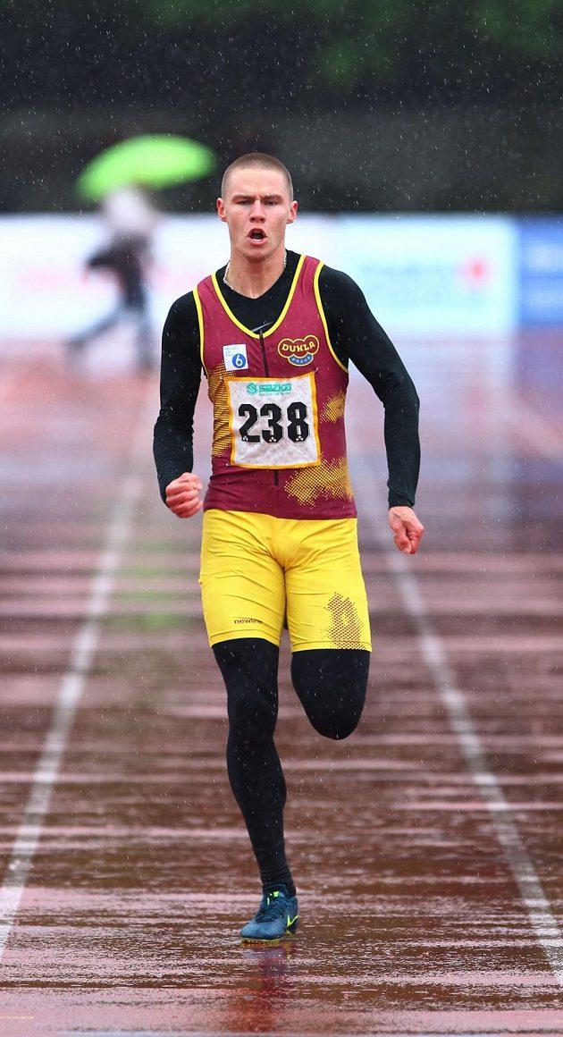 Sprinter Pavel Maslák byl se svým vítězným časem spokojený.
