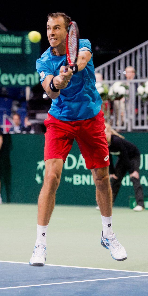 Český tenista Lukáš Rosol během daviscupového duelu s Philippem Kohlschreiberem.