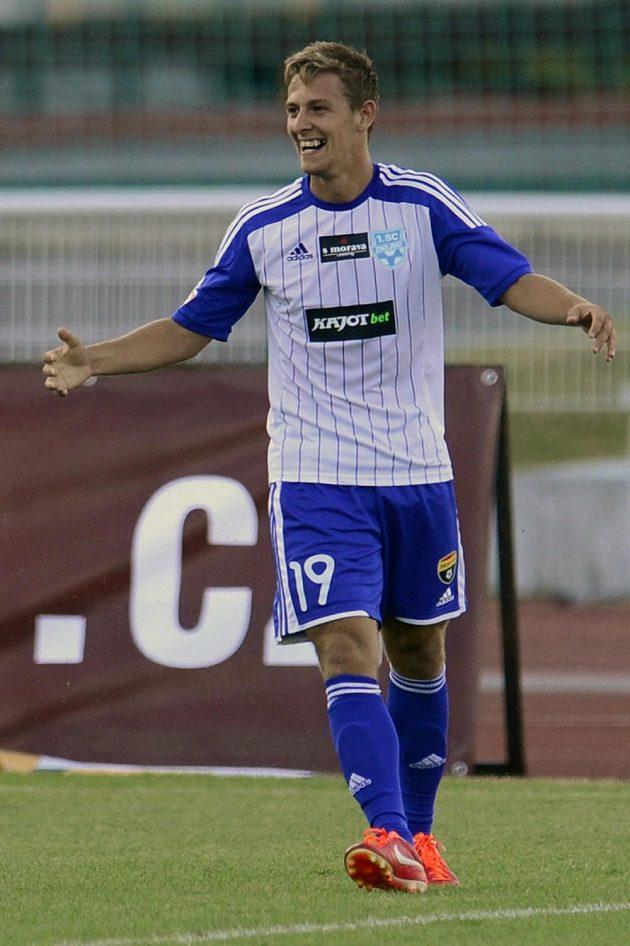 Autor prního gólu Znojma v Gambrinus lize Patrik Hrošovský se raduje ze své trefy proti pražské Dukle.