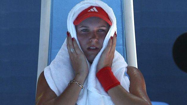 Dánka Caroline Wozniacká v duelu s Kim Clijstersovou.