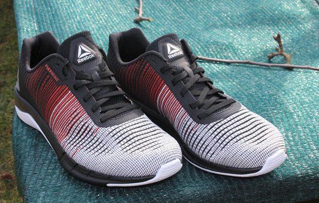 Běžecké boty Reebok Fast Flexweave - pohled zpředu.