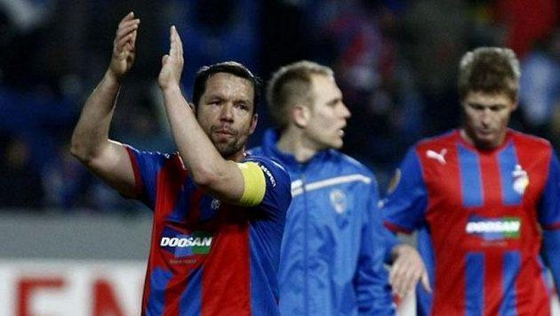 Pavel Horváth děkuje fanouškům Plzně po utkání se Schalke 04.