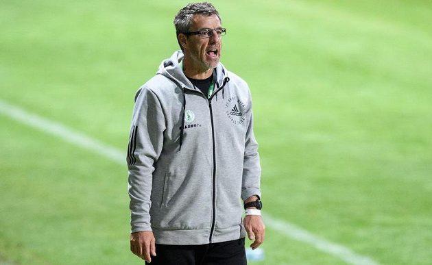Trenér fotbalistů Bohemians Luděk Klusáček během utkání se Spartou.