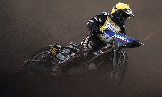 Český závodník Josef Franc během Grand Prix v ploché dráze na stadiónu Markéta v Praze.