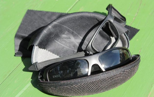 Sportovní brýle Wiley X Enzo: Přídavná výbava je bohatá.