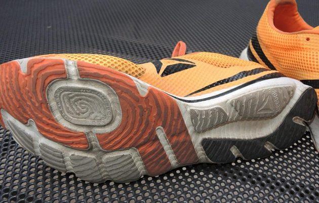 Běžecké boty Reebok One Series Harmony Racer: Daktyloskopická podrážka odolala i větším nástrahám, než pro které je určena.