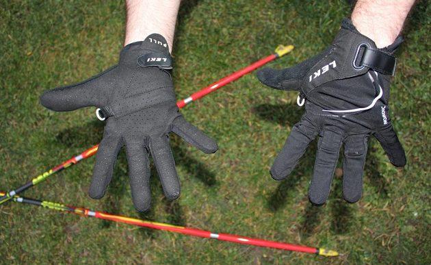 Skládací běžecké hole Leki Micro Trail Pro – rukavice Nordic Lite Shark Long.