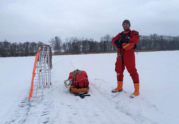 Lipno Ice Marathon - k záchraně tonoucích a mrznoucích vždy připraven!