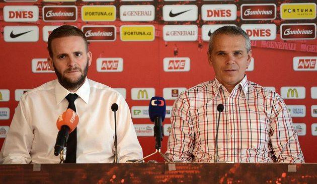 Člen představenstva Sparty Jakub Otava (vlevo) a trenér Vítězslav Lavička.