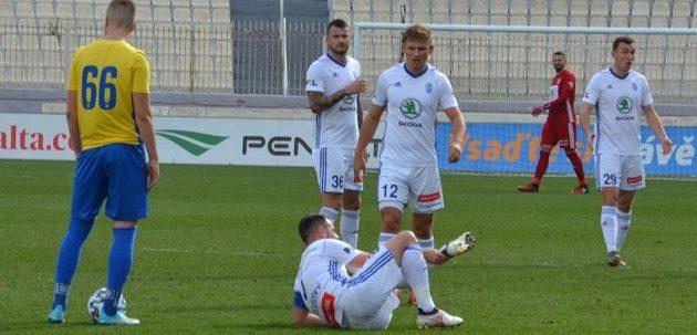 Záložník Mladé Boleslavi Marek Matějovský se na soustředění na Maltě během zápasu vážně zranil.