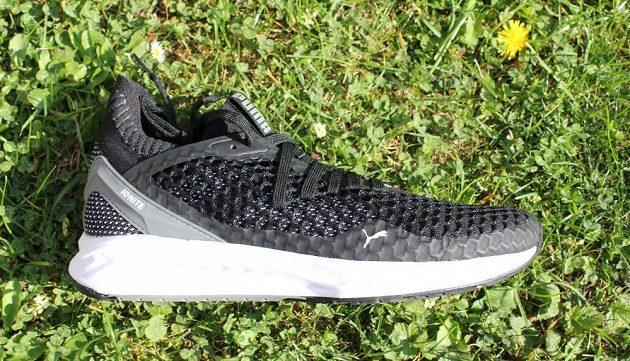 Běžecké boty Puma Ignite Netfit: pohled z vnější strany.