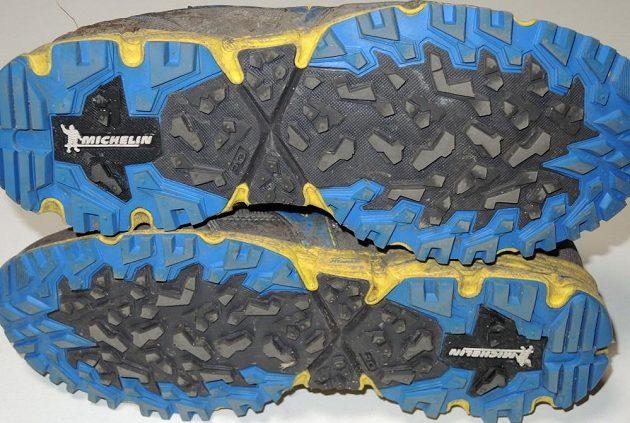 Běžecké krosové boty Mizuno Wave Daichi 2 - podrážka s netradičním  vzorováním. cef3d01a20