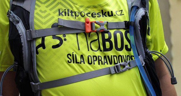 Běžecký batůžek Kilpi Cadence 10L: dvojice hrudních pásů.