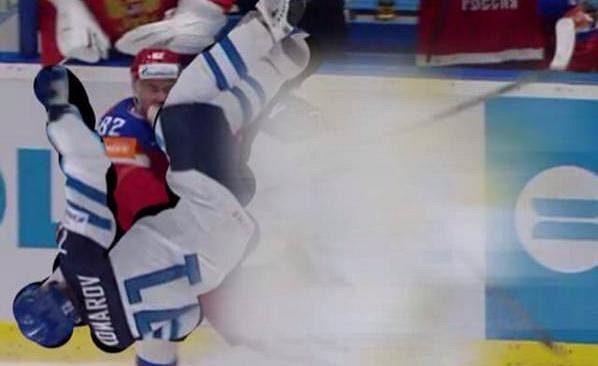 Jeden z finských vtípků na internetu. Takto mohl Komarov zranit kolenem Medveděva.