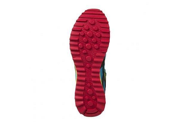Trail T1 Shoe Men. Salming vyráží do drsného terénu. Podrážka pro terén.