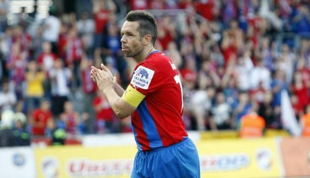 Pavel Horváth děkuje plzeňským fanouškům.