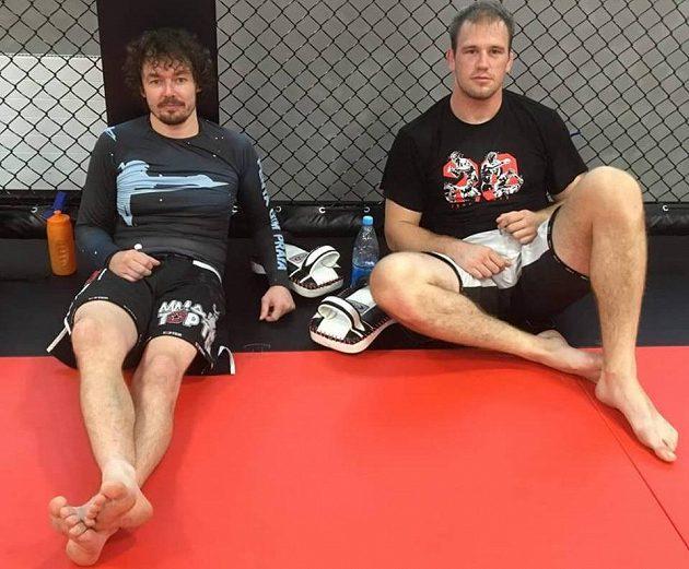 Trenér Dan Barták (vlevo) a Viktor Pešta po tréninku.