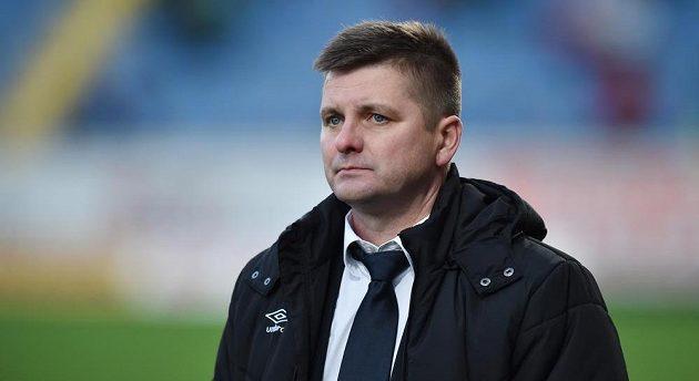 Zklamaný trenér Slavie Praha Dušan Uhrin mladší po porážce v Liberci.