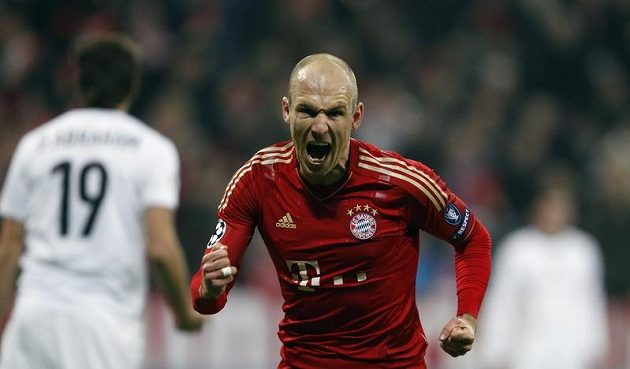 Arjen Robben z Bayernu oslavuje gól proti Basileji