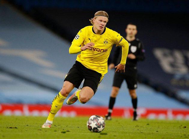 Dortmundský Erling Braut Haaland v duelu Ligy mistrů s Manchesterem City.