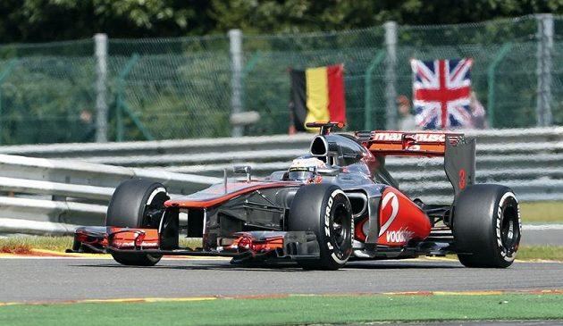 Brit Jenson Button vyhrál v Belgii stylem start-cíl...