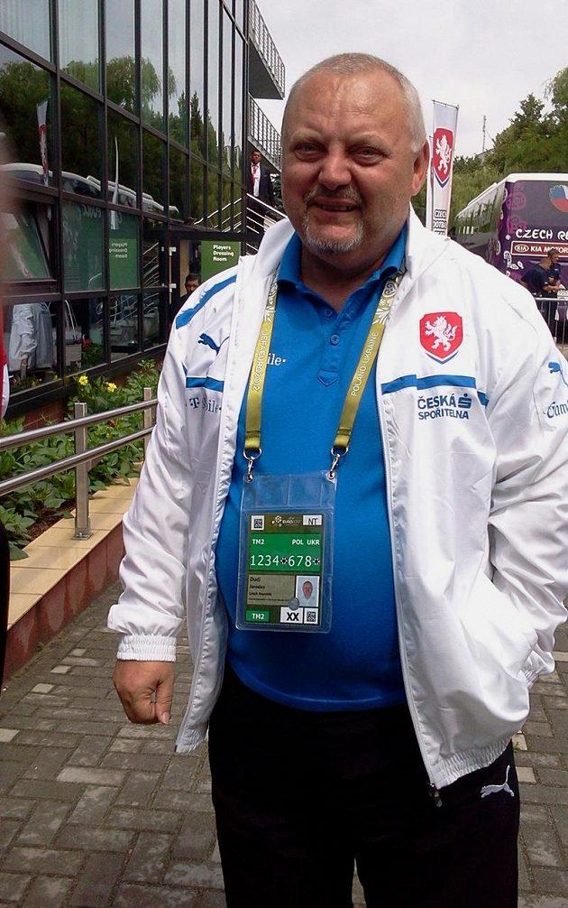 Známější z fotbalových Dudlů - dlouholetý vedoucí národního týmu Jaroslav.